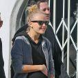 La charmante Malin Akerman, enceinte, et son mari Roberto Zincone vontdéjeuner au restaurant avec des amis à West Hollywood, le 10 janvier 2013.