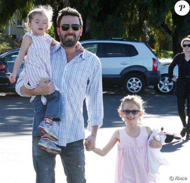 Ben Affleck et ses filles Violet et Seraphina, au célèbre Farmers market, à Los Angeles, le 20 janvier 2013