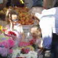 Ben Affleck et ses filles Violet et Seraphina, au Farmers market, à Los Angeles, le 20 janvier 2013