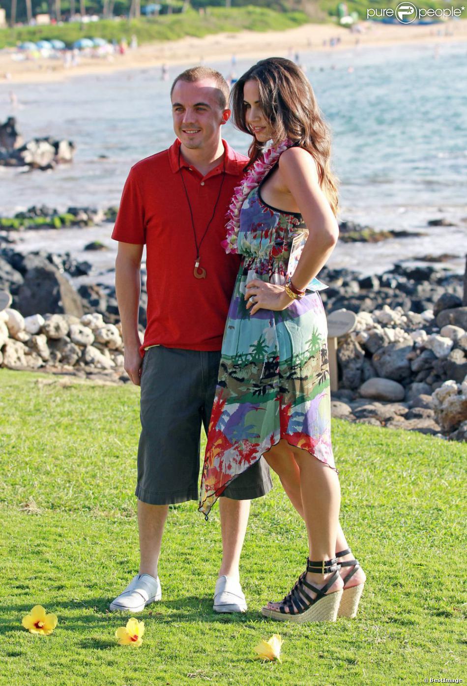 Frankie Muniz et sa fiancée Elycia Turnbow en vacances à Hawaï, le 24 janvier 2013.