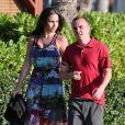 L'acteur Frankie Muniz et sa fiancée Elycia Turnbow se promènent à Hawaï, le 24 janvier 2013.