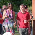 Frankie Muniz et sa fiancée la jolie Elycia Turnbow se promènent à Hawaï, le 24 janvier 2013.