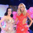 Dita Von Teese et Rosanna Davison, Miss Monde 2003, défilent lors de la Lambertz Monday Night 2013 à Cologne. Le 28 janvier 2013.