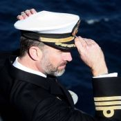 Felipe d'Espagne : Emu pour l'adieu à ''son'' porte-avions, tendre avec Letizia