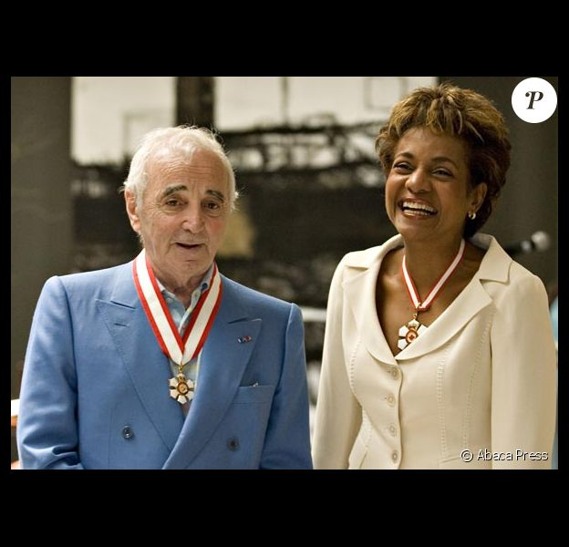 Charles Aznavour reçoit la plus haute distinction canadienne à Quebec
