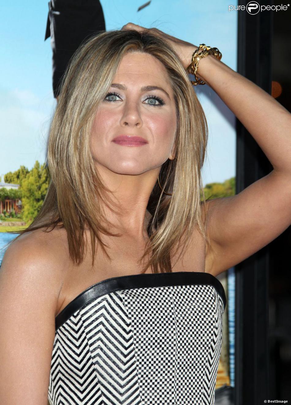Jennifer Aniston lors de la première de Wanderlust au Mann Village Theatre à New York, le 16 février 2012.