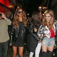 Rihanna et Cara Delevingne se rendent dans la boîte de nuit  The Box  à Londres, le 16 février 2013.