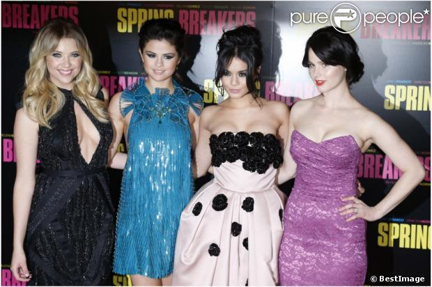 http://static1.purepeople.com/articles/7/11/58/17/@/1056750-ashley-benson-selena-gomez-vanessa-620x0-1.jpg