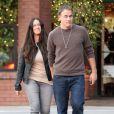 Alanis Morissette, 38 ans, et son mari Mario Treadway quittent le restaurant  La Scala  situé dans le quartier de Brentwood à Los Angeles, le 18 février 2013.