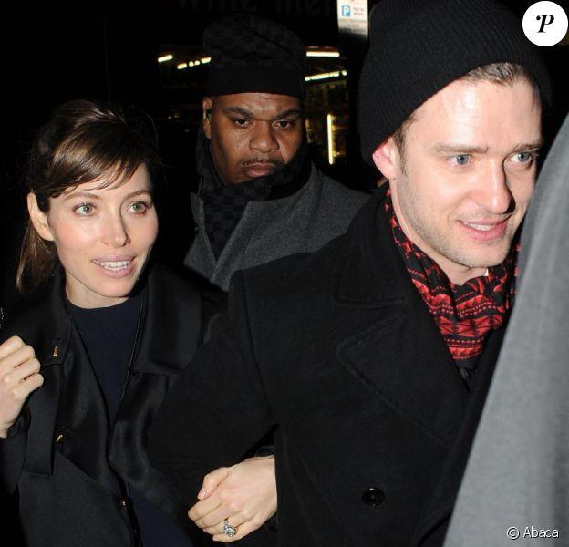 Jessica Biel et son mari Justin Timberlake arrivent à la soirée organisée par Sony à la salle The Arts Club, le 20 février 2013 à Londres.