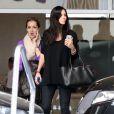 Exclu - Courteney Cox en sortie avec une amie dans les rues de Beverly Hills, le 5 mars 2013.