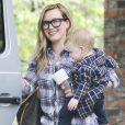 Hilary Duff va chercher son fils Luca à la crèche à Beverly Hills à Los Angeles. Le 7 mars 2013.