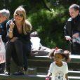 Heidi Klum a accompagné ses enfants Leni, Henry, Johan et Lou a un match de football avec son compagnon Martin Kristen à Brentwood. Le 9 mars 2013.