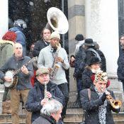 Obsèques de Jérôme Savary: Sous la neige et les applaudissements, au son du Jazz