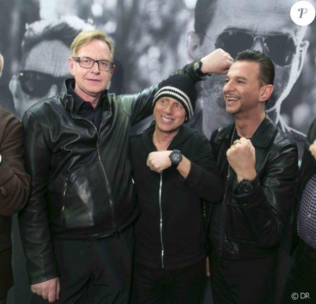 """La montre """"Big Bang Depeche Mode"""" portée par les membres du groupe Depeche Mode a été créée par la marque Hublot en faveur de l'ONG charity : water. Berlin, le 18 mars 2013."""