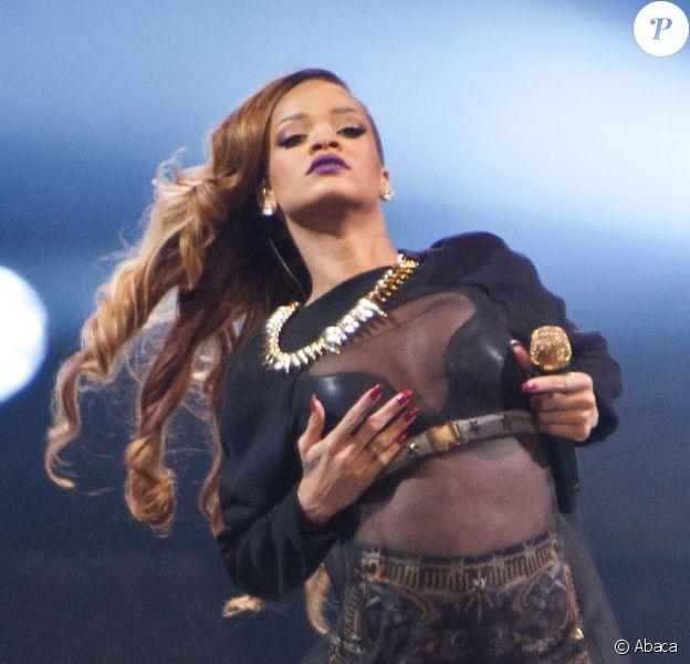 La très sexy Rihanna en concert à Détroit, le 21 mars 2013.