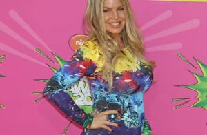 Fergie, enceinte et radieuse, assume enfin son baby bump aux Kids' Choice Awards