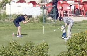 Princesse Victoria : Premiers pas d'Estelle, lors de tendres vacances à Almeria