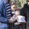 La princesse Victoria de Suède, le prince Daniel et la princesse Estelle en vacances de Pâques à Almeria (Sud-Est de l'Espagne) le 27 mars 2013.