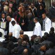 Sortie d'église lors des obsèques de Gérald Babin (candidat de Koh Lanta), à Nemours, le vendredi 5 avril 2013 - Un cortège blanc porte avec dignité le cercueil de Gérald Babin