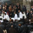 Sortie d'église lors des obsèques de Gérald Babin (candidat de Koh Lanta), à Nemours, le vendredi 5 avril 2013 - L'émotion est palpable