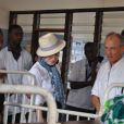 Madonna rencontre les patients de l'hôpital Queen Elizabeth Central à Blantyre, au Malawi, le 4 avril 2013.