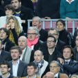 Michaêl Youn, Isabelle Funaro, Jean Claude Darmon, Hoda Roche et Pascal Elbé lors du match entre le Paris Saint-Germain et le FC Barcelone au Camp Nou de Barcelone le 10 avril 2013 en quart de finale de Ligue des Champions (1-1)