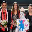La princesse Stéphanie de Monaco avec ses filles Pauline Ducruet et Camille Gottlieb lors du festival de cirque New Generation, le 2 février 2013 à Monaco