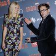 Robert Downey Jr. et Gwyneth Paltrow au  photocall  de l'avant-première parisienne d'Iron Man 3 au Grand Rex le 14 avril 2013.