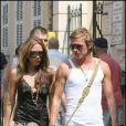 Victoria Beckham et David Beckham ont la rock'n'roll attitude ! Ici, à Saint-Tropez, lors de vacances en amoureux en 2005