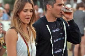 Jessica Alba et Cash Warren câlins et amoureux comme jamais à Coachella
