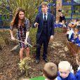 Kate Middleton à l'école primaire The Willows à Manchester le 23 avril 2013