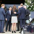 Kate Middleton, enceinte de six mois, inaugurait avec les princes William, protecteur, et Harry les studios de la Warner Bros. à Leavesden, dans le Hertfordshire, le26 avril 2013.