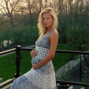 Natasha Poly enceinte : Le top dévoile son baby-bump surprise !