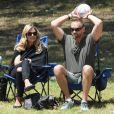 Heidi Klum et son conjoint Martin Kristen supportent Leni, Henry et Johan (8, 7 et 6 ans) lors de leur match de foot dans le quartier de Brentwood. Los Angeles, le 27 avril 2013.