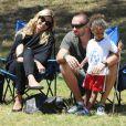 Heidi Klum, sa fille Leni et son conjoint Martin Kristen assistent au match de foot de Leni, Henry et Johan à Brentwood. Los Angeles, le 27 avril 2013.