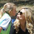 Heidi Klum encourage sa fille Leni lors de son match de foot à Brentwood. Los Angeles, le 27 avril 2013.