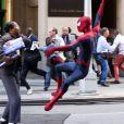 Spider-Man attaque Max Dillon sur le tournage de The Amazing Spider-Man 2 à New York le 28 avril 2013.