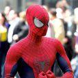 Andrew Garfield dans son costume moulant sur le tournage de The Amazing Spider-Man 2 à New York le 28 avril 2013.