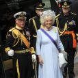 Camilla Parker Bowles et le prince Charles à la Nouvelle Eglise d'Amsterdam pour la prestation de serment du roi Willem-Alexander des Pays-Bas, le 30 avril 2013