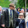 Lady Louise Mountbatten-Windsor, 9 ans, avec son père le prince Edward, comte de Wessex, au Windsor Horse Show le 11 mai 2013