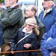 Lady Louise Mountbatten-Windsor, 9 ans, avec son père le prince Edward au Windsor Horse Show le 11 mai 2013
