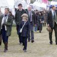 Le prince Edward et la comtesse Sophie de Wessex ont profité avec leurs enfants Lady Louise et James, vicomte Severn du Windsor Horse Show le 11 mai 2013
