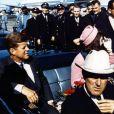 Kenneth Battelle avait notamment coiffé Jackie Kennedy avant le mortel tour de Dallas du président John Kennedy, le 22 novembre 1963.