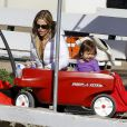 Denise Richards emmène ses filles Sam et Lola faire du cheval à Malibu le 13 Janvier 2013.