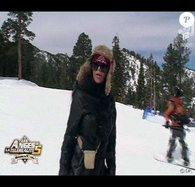Nabilla au ski dans Les Anges de la télé-réalité 5 le vendredi 17 mai 2013 sur NRJ 12