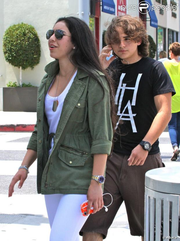 [NUOVE FOTO] Prince, Paris e Blanket Jackson  - Pagina 20 1129460-prince-jackson-and-his-new-girlfriend-620x0-1