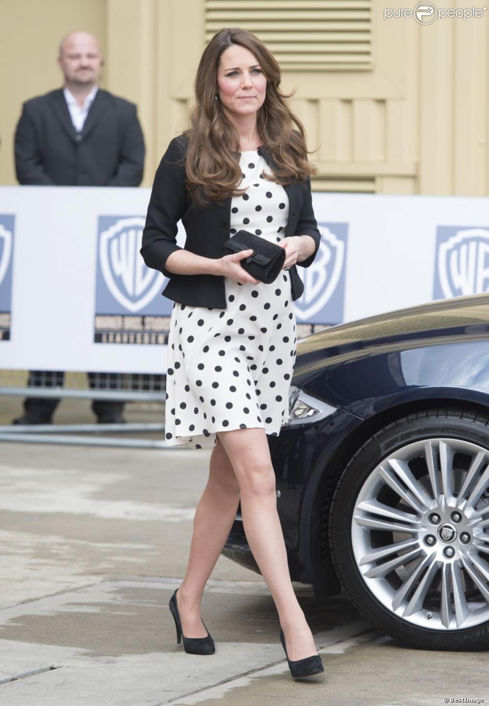 Robe à pois pour invité mariage Kate Middleton