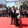 Vincent Perez et sa femme Karine Silla lors de la montée des marches du film Un château en Italie au Festival de Cannes le 20 mai 2013