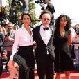 Vincent Perez, Karine Silla et sa soeur Virginie Silla lors de la montée des marches du film Un château en Italie au Festival de Cannes le 20 mai 2013